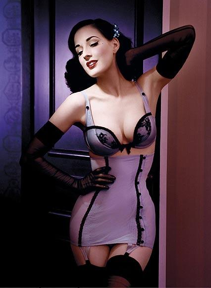 dita-von-teese lencería burlesque