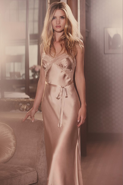 rosie-huntington-whiteley-marks-spencer-3